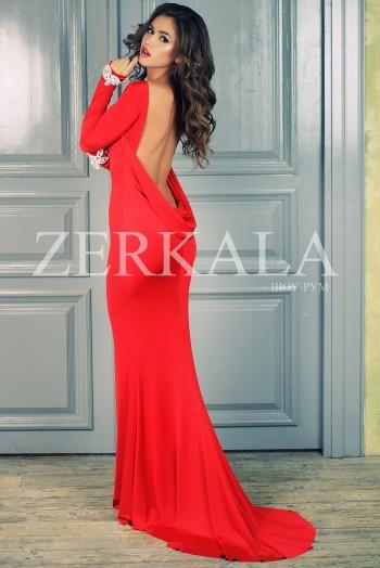 Вечернее красное платье с открытой спиной
