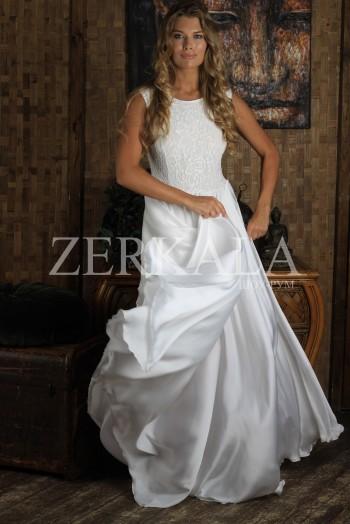 Вечернее длинное белое платье без рукавов