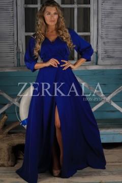 Синее длинное платье с вырезом на ноге