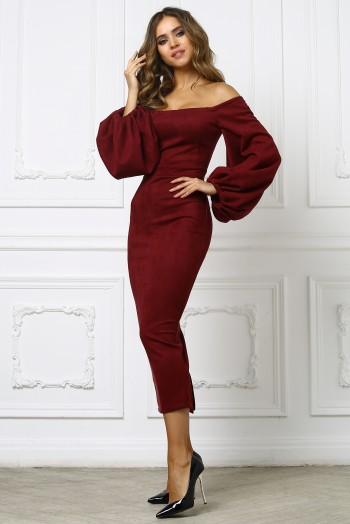 Бордовое платье миди с приспущенными плечами