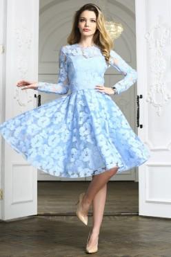 Голубое платье миди в сеточку