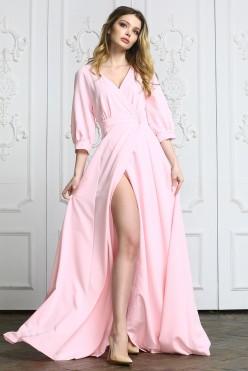 Розовое длинное платье с вырезом на ноге