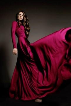Вечерние бордовое платье в пол