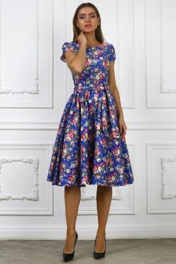 Летнее короткое синее платье в цветочек