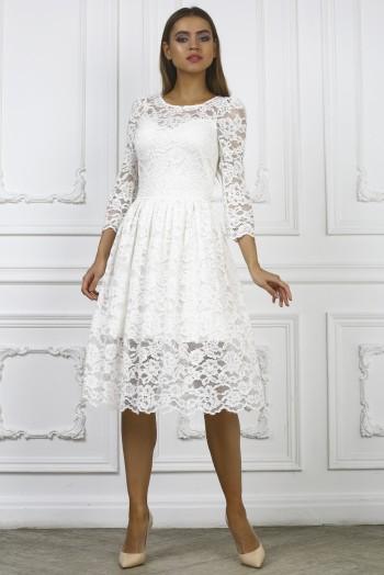 Белое кружевное платье миди с пышной юбкой