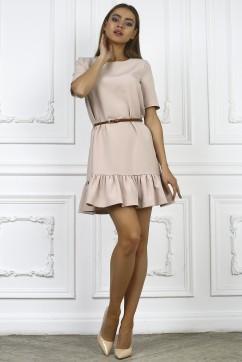 Бежевое платье с пышной юбкой и короткими рукавами
