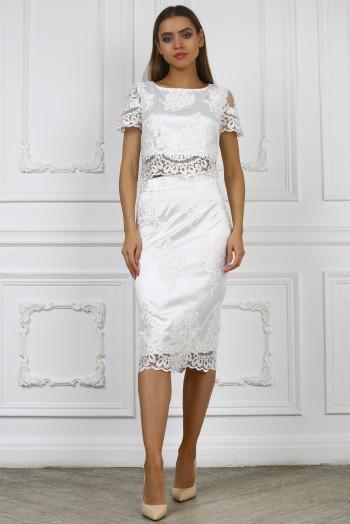 Белый кружевной костюм, топ и юбка