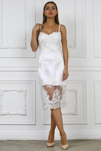 Белое кружевное платье на бретельках