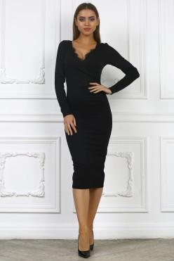 Черное платье миди с кружевом и вырезом на груди
